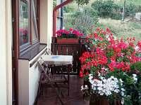 sedenie na balkone