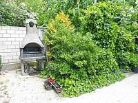 Venkovní gril - rekreační dům k pronájmu Piešťany