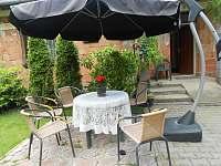 Venkovní posezení - rekreační dům k pronájmu Piešťany