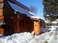 Pohled na objekt v zimním období - pronájem chaty Zuberec