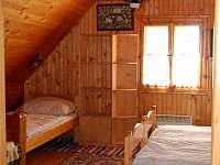 Pohled do ložnice v podkroví - chalupa k pronájmu Brezovica