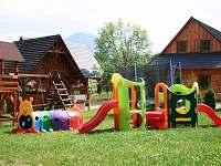detske ihrisko pred chalupou - pronájem Liptovský Mikuláš - Bodice