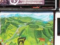 Malba mapy Demänovskej doliny na stene chaty - ubytování Demänovská dolina