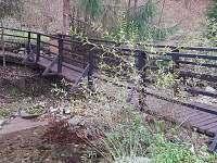 nas mostik za zahradou