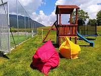 Detské ihrisko - vila k pronajmutí Ižipovce