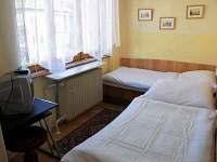 izba s oddelenými lôžkami výhľad do ulice