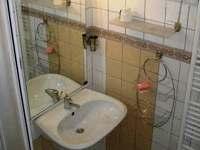 spoločná kúpelka /extra  miestnosť WC/