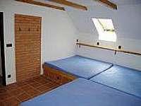 velká ložnice pro 8 osob - Milešov