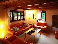 obývací pokoj - pronájem chaty Sýkořice