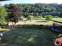 pohled do zahrady - chata k pronajmutí Sýkořice
