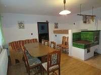 kuchyně v přízemí, Ubytování u Pražanů - pronájem chalupy Martinicce u Březnice