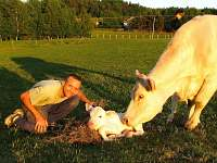 naše farma, Ubytování u Pražanů