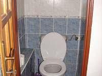WC v přízemí, koupelna v přízemí, Ubytování u Pražanů