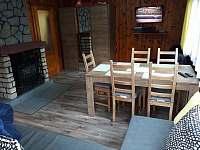 Obývací pokoj - chata k pronájmu Žebrákov