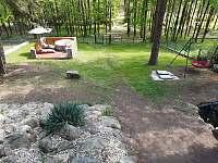 Pohled na oplocený pozemek - Žebrákov