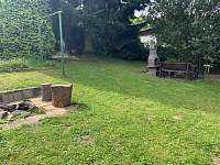 zahrada ohnište a krb - chata k pronajmutí Vlastějovice
