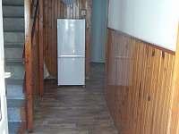 lednice s mrazákem - apartmán k pronajmutí Nižbor