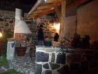 večerní posezení u krbu - Příbram - Milín