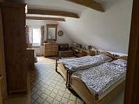 Ložnice v podkroví 2+1 dětská postel - Zaječov