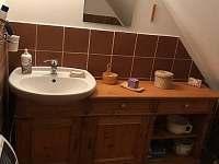 WC II. s umyvadlem v patře