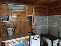 kuchyňský kout s kamny
