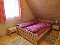 horní ložnice 2 - pronájem chaty Ohrazenice