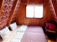 Druhé patro - pokoj č.1 - pronájem chaty Hříměždice