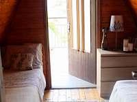 Horní patro - pokoj č.3 - chata k pronájmu Hříměždice
