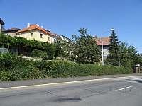 Praha 4 ubytování 14 lidí  ubytování
