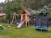 hřiště - chata k pronajmutí Ohrazenice
