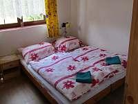 spodní ložnice - chata k pronajmutí Ohrazenice