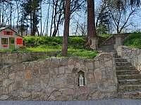 Zahrada - chalupa k pronajmutí Městečko u Chotýšan