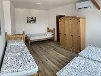 Ložnice - apartmán k pronajmutí Hostomice - Bezdědice