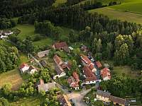 z dronu - chalupa k pronajmutí Krásná Hora nad Vltavou - Vletice
