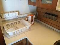 Vybavení kuchyně - pronájem chaty Divišov u Benešova