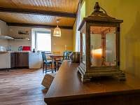 Apartmán č. 1 - obytná místnost s kuchyňkou