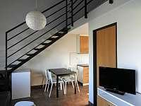 jídelní kout - apartmán k pronajmutí Klučov
