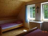 ložnice č.3  v podkroví - manželská postel a jedno lůžko