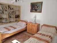 2. pokoj v přízemí - pronájem chalupy Černíkovice