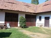 Hospodářské budovy - Černíkovice