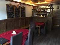 Interiér restaurace - ubytování Český Šternberk