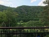 Výhled z okna první  ložnice v patře