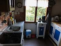kuchyně - chata k pronajmutí Lašovice