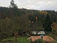 Pohled ze zahrady - chata k pronajmutí Lašovice