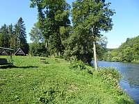 řeka před chatou areál 2 - Sázava