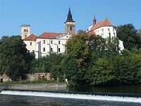 Sázava klášter - chatky k pronájmu