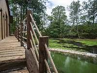 koupací jezírko a rybník - chalupa k pronájmu Hojšín