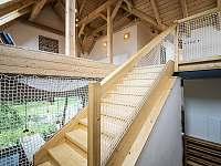 schodiště v novém stavení - Hojšín