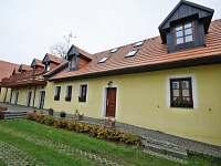 Penzion ZUHANSTA Bušovice - dvur a pruceli - ubytování Bušovice - Sedlecko