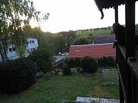 pohled z verandy - chata ubytování Svojšice